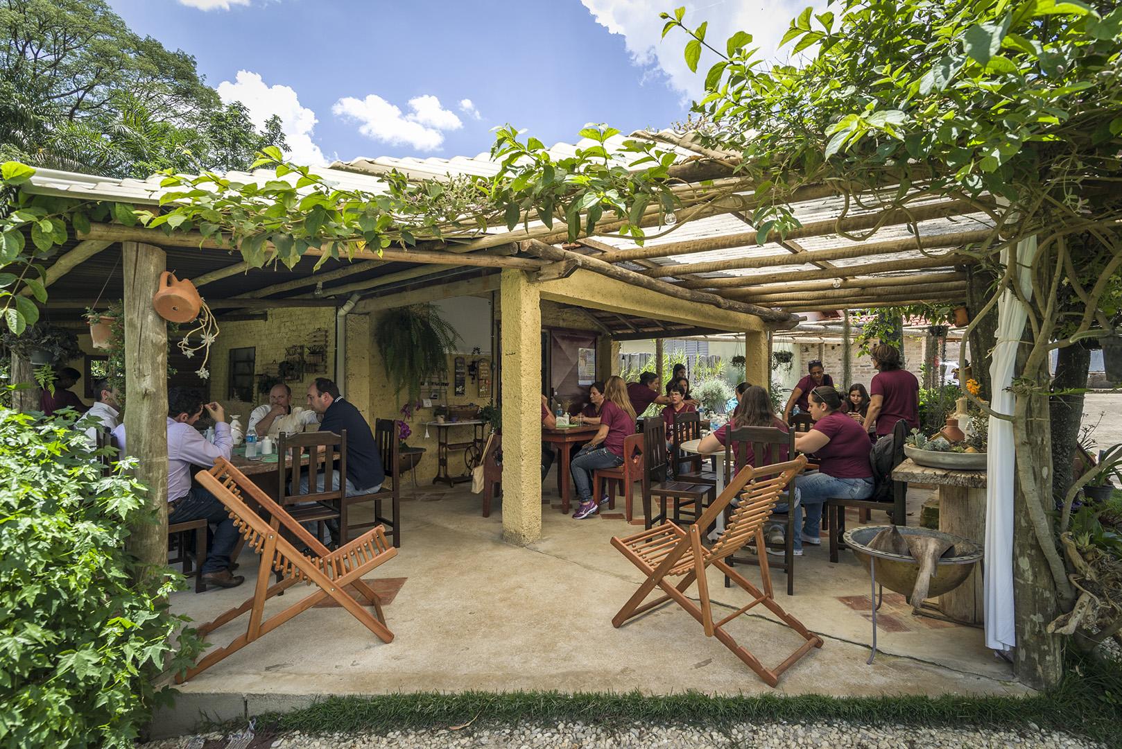 Flores do Café visitam a Palini & Alves